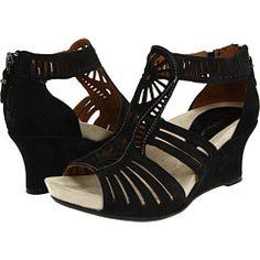 Earthies - Carmona-- I sooo want these!