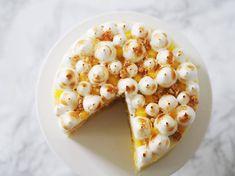 Citronmånekage med lemoncurd, cream cheese og brændt marengs
