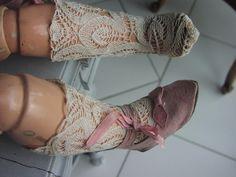 http://www.ebay.fr/itm/chaussettes-coton-ecru-poupee-ancienne-jumeau-steiner-doll-socks-/172101791484?hash=item281210eefc:g:1qQAAOSwx-9WwaSG