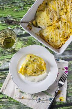 Crespelle con prosciutto e formaggio: Le #crespelle con #prosciutto e #besciamella sono un primo piatto spettacolare, semplicissimo da preparare e dalla massima resa. Nessuno sarà in grado di resistere e farà venire anche a te l'acquolina in bocca!