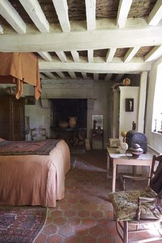 Required Reading: Perfect French Country, Inspirational Interiors from Rural France - Remodelista - country house French Country Interiors, French Country Kitchens, French Country Bedrooms, Country Farmhouse Decor, Cottage Interiors, French Cottage, French Country House, French Farmhouse, Rustic French