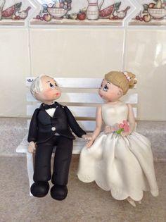 Feliz porque mis abuelitos cumplieron 50 (años de casados). Made by a 12 years girl. From head to shoes