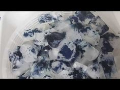 Ice dyeing is a dyeing technique using ice cubes and fiber reactive dyes to create a unique surface design on fabric. Learn the steps for basic ice dyeing. Shibori Fabric, Fabric Art, Ice Tie Dye, Diy Tie Dye Shirts, Tie Dye Crafts, I Love Mom, Surface Design, Projects To Try, Play Dough