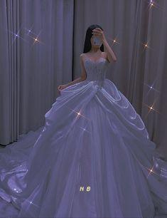 Princess Ball Gowns, Princess Wedding Dresses, Dream Wedding Dresses, Elegant Dresses, Pretty Dresses, Beautiful Dresses, Fairytale Dress, Fairy Dress, Quince Dresses