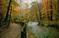 Cuyahoga & Erie Canal Towpath Trail photo by Tom Jones - Cleveland farmhouse rental