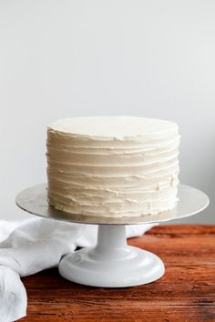 London Fog Cake with Earl Grey Buttercream - rich and decadent, this cake is sure to please! #londonfog #earlgrey #cake #abeautifulplate