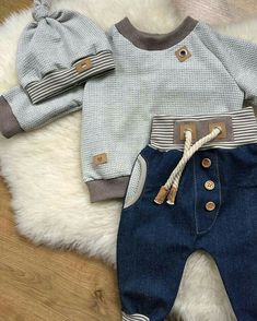 Baby outfits summer little girls 21 best ideas Baby Boy Fashion, Kids Fashion, Sweat Gris, 1 Year Baby, Baby Kids Clothes, Summer Clothes, Handmade Baby Clothes, Baby Sewing, Kind Mode
