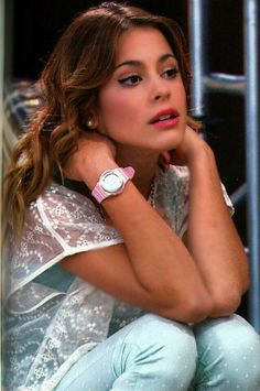 Tini stoessell in violetta 2 Violetta Disney, Violetta Live, Disney Channel Shows, Disney Shows, I Dont Care Anymore, Netflix Kids, Makeup Eye Looks, Donia, Teen Girl Fashion