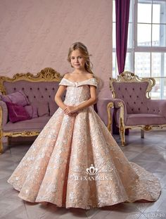 Flower Girl Dress – Birthday Wedding Party Holiday Bridesmaid Communion L… Little Girl Gowns, Gowns For Girls, Dresses Kids Girl, Girls Party Dress, Girl Outfits, Cute Flower Girl Dresses, Baby Girl Birthday Dress, Birthday Dresses, Baby Dress