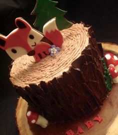 Woodland Stump fox cake
