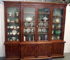 bibliothèque deux corps à ressaut quatre portes en placage d'acajou de cuba XIX siècle