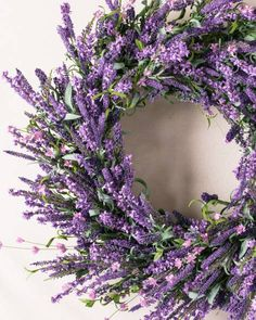 Placing a lavender wreath or a vase of lavender flowers next to the bed cleanses the air in s sick room of germs. Dry flowers can be misted with lavender essential oils too to keep the air fresh. Purple Wreath, Lavender Wreath, Lavender Flowers, Dried Flowers, Purple Flowers, Floral Wreath, Lavender Decor, White Wreath, Lavander