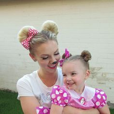 How to: Minnie Mouse Hair for Halloween and/or Disneyland (Disney) - Modern Disney Hairstyles, Little Girl Hairstyles, Bun Hairstyles, Crazy Hair Days, Mouse Costume, Toddler Hair, Cute Little Girls, Hair Dos, Long Hair Styles