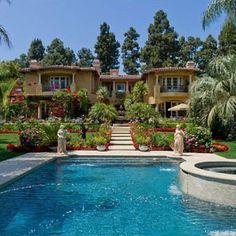 Inside Tour of Celebrity Homes | Inside Dr. Phil's Beverly Hills Home | Stately Celebrity Homes for ...
