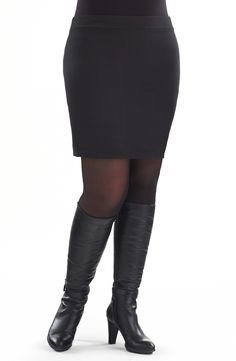 Essential elastic waist knit mini/Black Style No: Cotton elastane stretch mini. Great as a layering piece or on its own. Plus Size Skirts, Dressed To Kill, Jeans Pants, Elastic Waist, Diva, Black Style, Mini Skirts, Layering, Knitting
