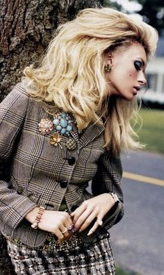 Brooches and pins are a stylish way to bring a touch of vintage to any outfit!