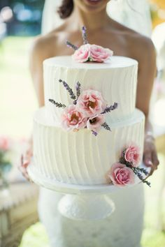 The Vault: Curated & Refined Wedding Inspiration - Style Me Pretty Elegant Wedding Cakes, Beautiful Wedding Cakes, Wedding Cake Designs, Beautiful Cakes, Trendy Wedding, Summer Wedding, Buttercream Wedding Cake, Wedding Cupcakes, White Buttercream