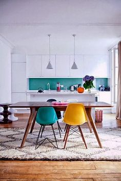 15 Dining Rooms with Brilliantly Colorful Chairs — Design Inspiration