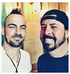 Adam Gontier & Dave Grohl.