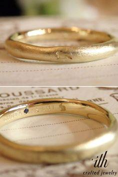 ポイントは、なんといっても大好きなウサギのシルエット。レディースリングはリング表面を楽しそうに飛び跳ね、メンズリングには、リングの内側にひっそりと☆ [marriage,wedding,ring,bridal,K18,マリッジリング,結婚指輪,オーダーメイド,刻印,ウエディング,ith,イズマリッジ]