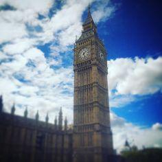 過去picですがやっぱり#海外旅行 といえば#ロンドン  一番多く行っています 印象的だったのは#ロンドンオリンピック  町中お祭り騒ぎでめちゃめちゃ楽しかったです いつ行ってもそこにあるものを見るのもいいですがその時にしかないものを見るのはもっと楽しいです  #旅行 #旅 #travel #trip #instagram #instalife #instalike #instatrip #instatravel #follow4follow #life #love #like4like #lifetravele #follow #followme #フォロー #フォロバ #フォローミー #フォローワー #london #ロンドン #uk #イギリス by 888y0shio888