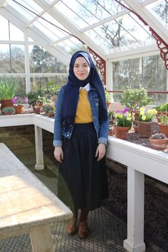 Vintagonista vintagonista: hijab style, hijab fashion, vintage hijab, vintage muslim, modcloth, muslim blogger, vintage blogger, vintage, retro, vintage style, vintage outfit, vintage hijab style, mustard jumper, colour block, spring style, denim jacket, midi skirt outfit, oxford brogues outfit, hijab style, hijab blogger, vintage blogger, greenhouse, nature, blog post, shopping hacks, cute outfit