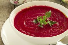 Beautiful, bright roasted beets star in this creamy, earthy soup. Serve hot with a swirl of sour cream or plain yogurt. Diet Recipes, Vegan Recipes, Cooking Recipes, Sopa Detox, Fennel Soup, Red Beets, Organic Chicken, Plain Yogurt, Lentils