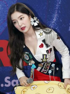 K-Pop Babe Pics – Photos of every single female singer in Korean Pop Music (K-Pop) Red Velvet アイリーン, Red Velvet Irene, Kpop Girl Groups, Korean Girl Groups, Kpop Girls, Seulgi, Red Velet, Korean Fashion Kpop, Kpop Outfits