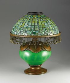 Louis Comfort Tiffany, Victorian Lamps, Antique Lamps, Antique Lighting, Tiffany Lamps, Tiffany Art, Tiffany Jewelry, Stained Glass Lamps, Leaded Glass