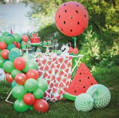 Lindeza que vi no IG Por . Watermelon Birthday Parties, 1st Birthday Party For Girls, Fruit Birthday, Fruit Party, Birthday Party Decorations, Watermelon Party Decorations, Birthday Ideas, Wedding Decorations, Fete Marie