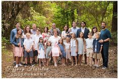 Kingwood Family Portraits- R extended family photos - Tiffany Harston Photography Extended Family Pictures, Summer Family Pictures, Large Family Poses, Family Picture Poses, Family Photo Outfits, Family Photo Sessions, Family Posing, Picture Ideas, Mini Sessions