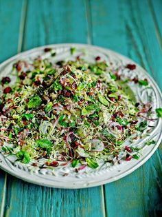Wild rice & Brussels sprout super salad healthy mom, healthy food, health and fitness, busy mom, healthy recipes Vegan Recipes Easy, Vegetarian Recipes, Wild Rice Recipes, Wild Rice Salad, Sprouts Salad, Vegan Christmas, Christmas Recipes, Christmas 2015, C'est Bon