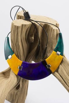 Violet-yellow-green necklace of buffalo horn Statement