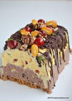 Inghetata casata cu ciocolata nuca si fructe confiate Savori Urbane (2) Casata Cake, Cake Cookies, Cakes, Romanian Desserts, Romanian Food, Frozen Desserts, Vegan Desserts, Parfait, Vegan Kitchen