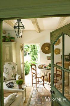 Jurnal de design interior - Amenajări interioare : Șarm rustic într-o casă din sec. al XV-lea din Franța