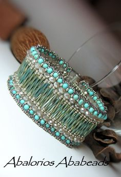 Another Pinner wrote: My Catala Bracelet - in my blog found the scheme