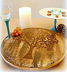 DIY using ikea lazy susan Diy Wood Projects, Diy Projects To Try, Diy Lazy Susan, Decoupage, Pottery Barn Inspired, Wooden Crafts, Diy Gifts, Crafty, Trays