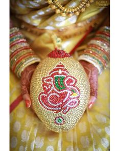 Order Fresh flower poolajada, bridal accessories from our local branches present over SouthIndia, Mumbai, Delhi, Singapore and USA. Kalash Decoration, Thali Decoration Ideas, Marriage Decoration, Wedding Stage Decorations, Festival Decorations, Telugu Wedding, Wedding Mandap, Wedding Dresses, Flower Garland Wedding