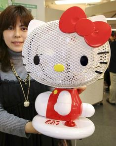 Keep cool with a Hello Kitty fan!