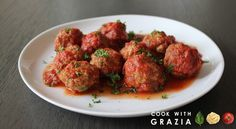 Meatballs in tomato sauce recipe: a perfect dish for cozy weeknight dinners that please everyone