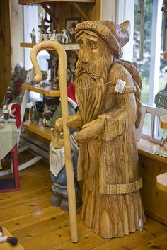 Wood Carving   . . .   Papa Noel?