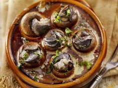 Seafood Dishes, Seafood Recipes, Appetizer Recipes, Cooking Recipes, Snack Recipes, Mushroom Appetizers, Mushroom Recipes, Escargot Recipe, Snails Recipe