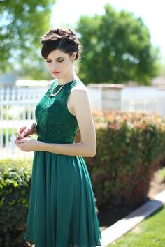Paint the Town Green - This is from the same blog as the last dress. Love it! :)