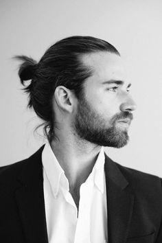 Chignon pour homme - 30 beaux gosses à chignon repérés sur Pinterest - Elle