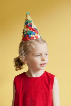 with these fun DIY confetti party hats via Oh Happy Day! How To Clean Velvet, Diy Party Hats, Diy Confetti, Diy Party Supplies, Diy Hat, Diy Bathroom Remodel, Rustic Contemporary, Cool Diy Projects, Fiesta Party