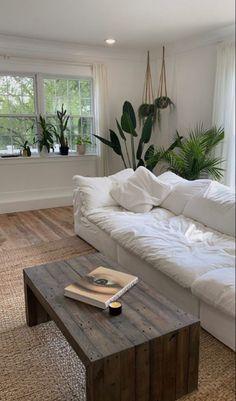 Home Living Room, Living Room Decor, Bedroom Decor, Teen Bedroom, Dream Home Design, Home Interior Design, Room Interior, Aesthetic Room Decor, Dream Rooms