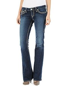 Movie night! How can you go wrong with jeans. #style