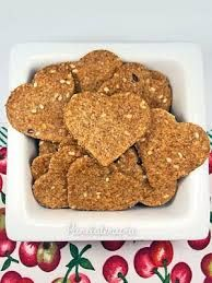 Whole meal biscuit - Biscoito Integral Sweet Recipes, Dog Food Recipes, Healthy Recipes, Food Huggers, I Chef, Good Food, Yummy Food, Vegan Snacks, Organic Recipes