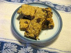 Copy Cat Sunbelt Oats and Honey Chewy Granola bar recipe -- Shy loves these things! All I have to buy is honey and vanilla! Score!