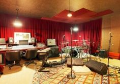 Incubus' Brandon Boyd Selling Home with Built-in Recording Studio something like this would be good